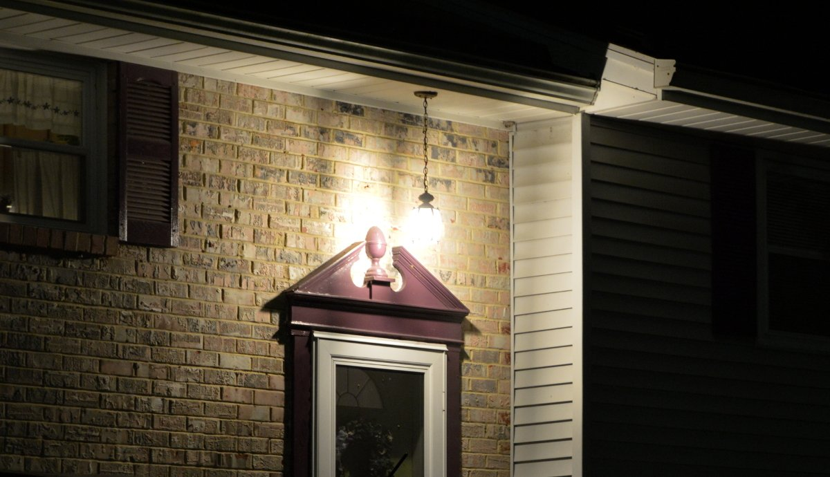 Electricians for outdoor lighting in Crofton