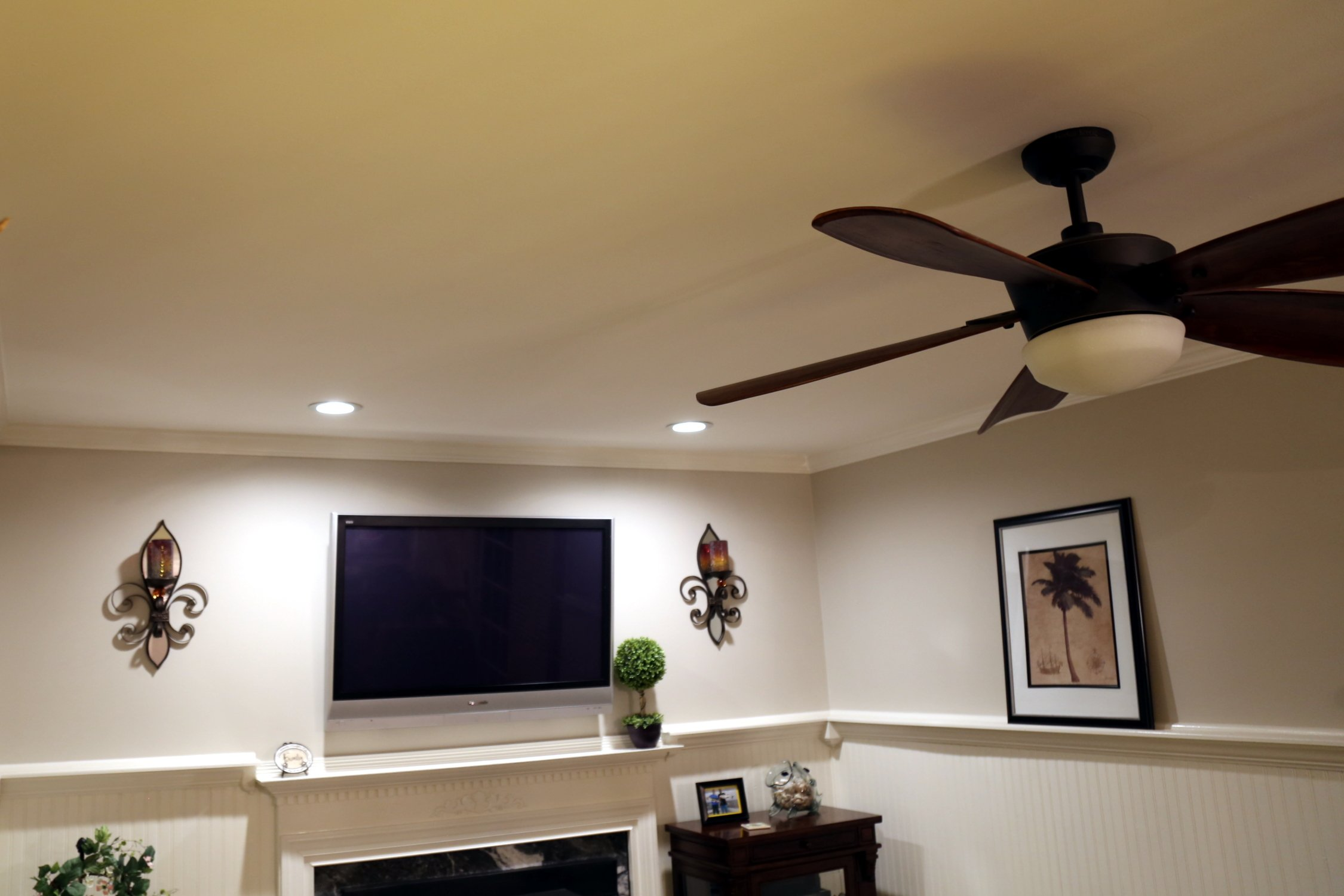 Entertainment room electricians in Crofton
